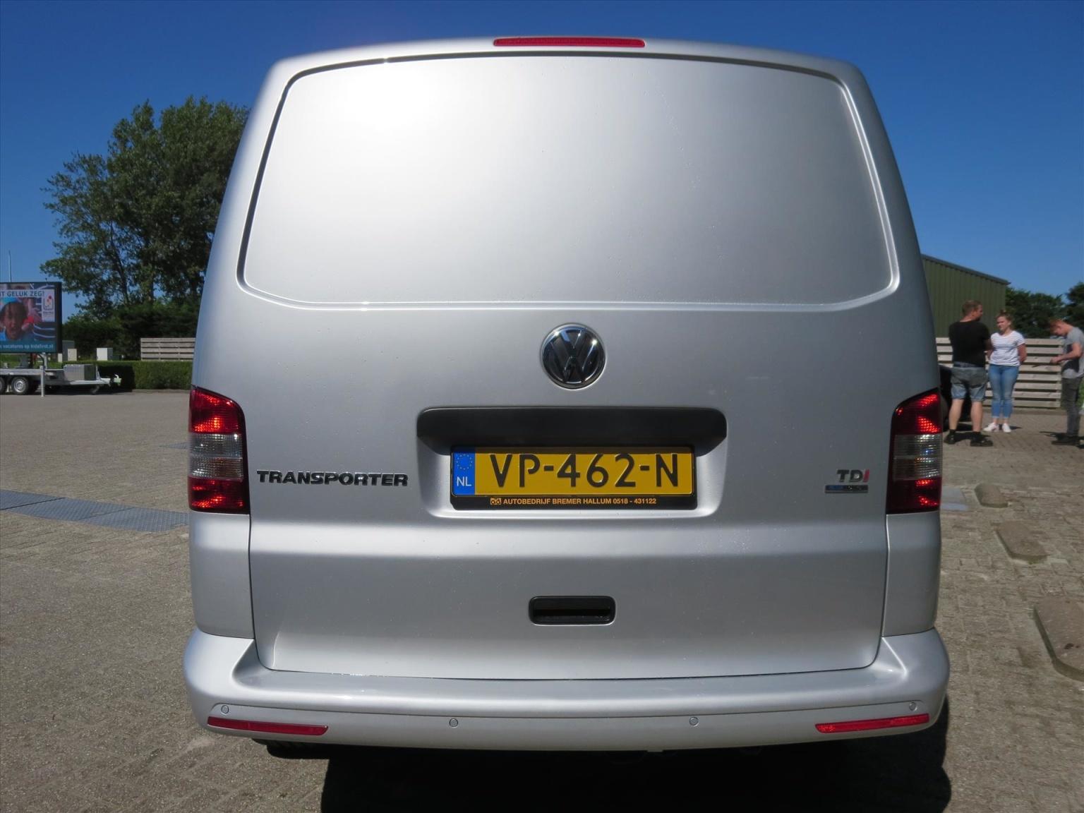 Volkswagen-Transporter-17