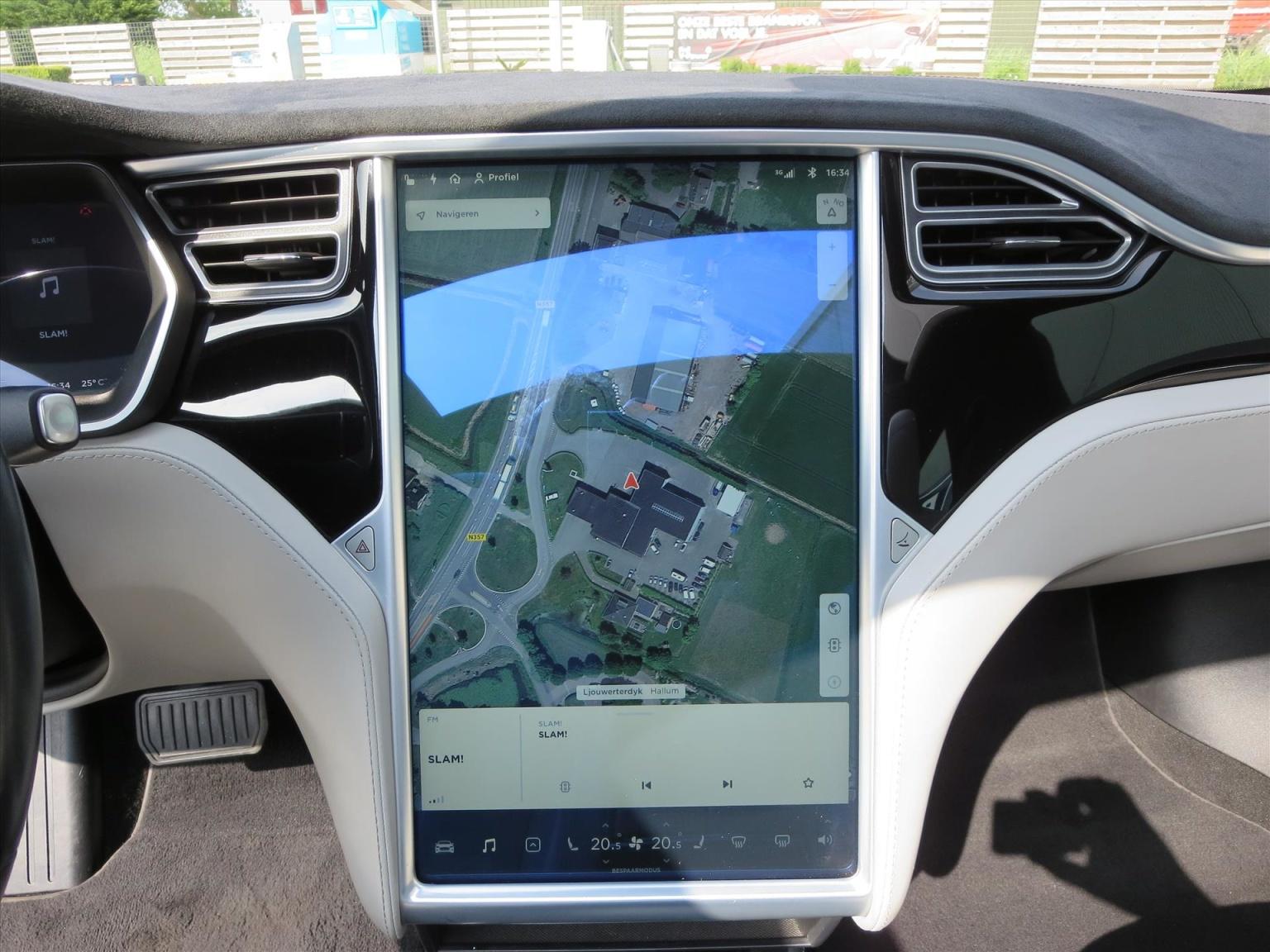 Tesla-Model S-3