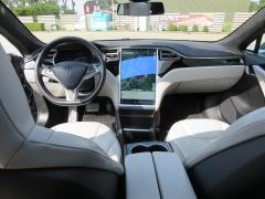 Tesla-Model S-2