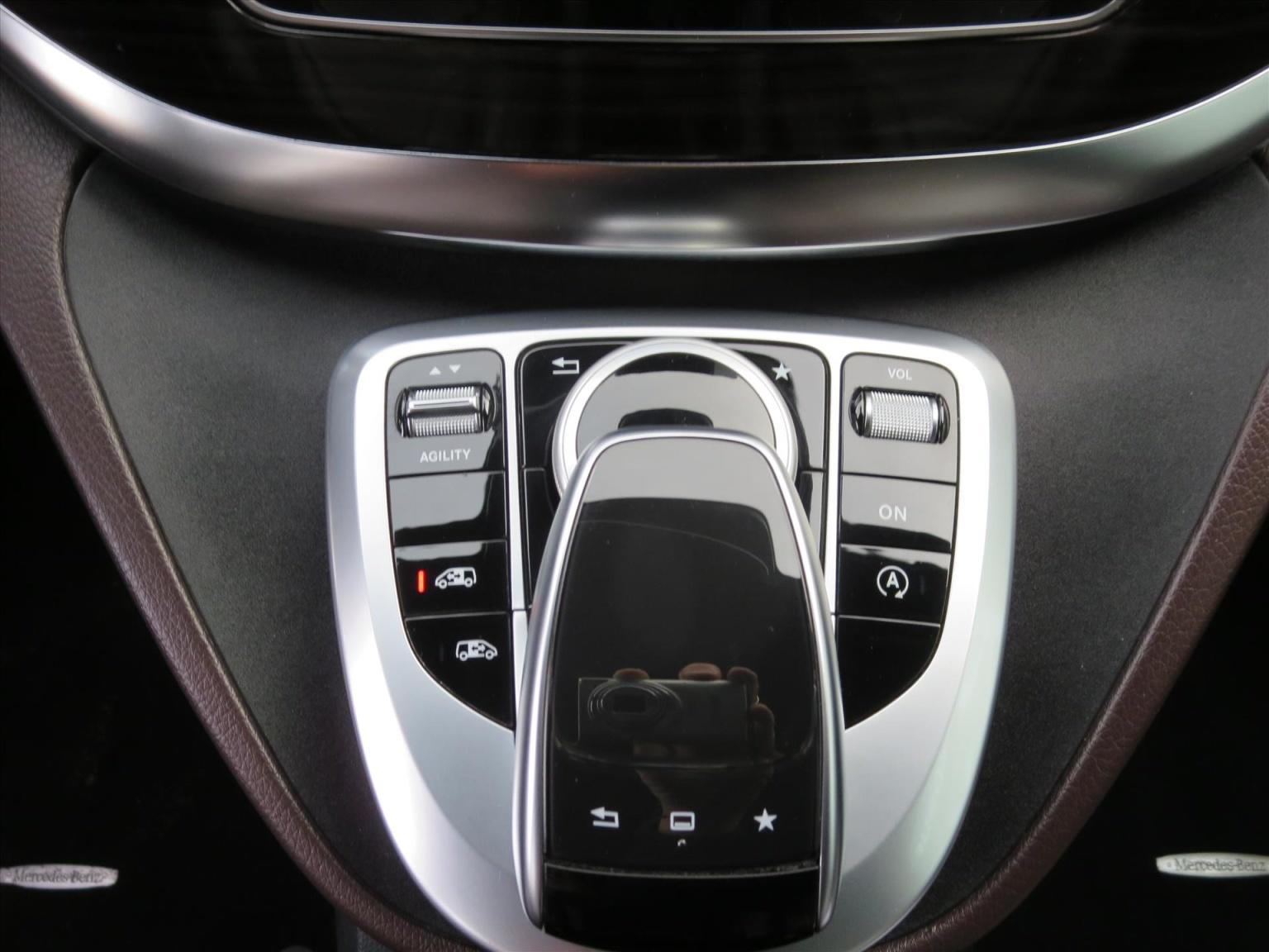 Mercedes-Benz-Camper-12