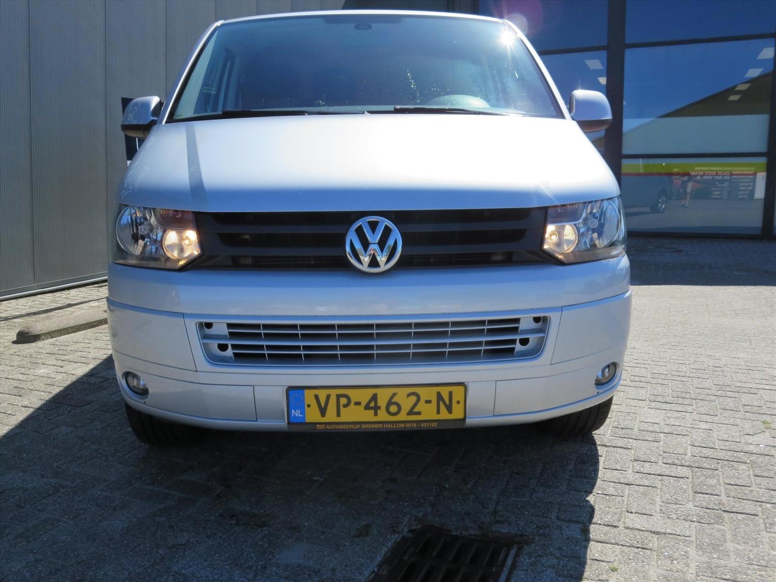 Volkswagen-Transporter-16