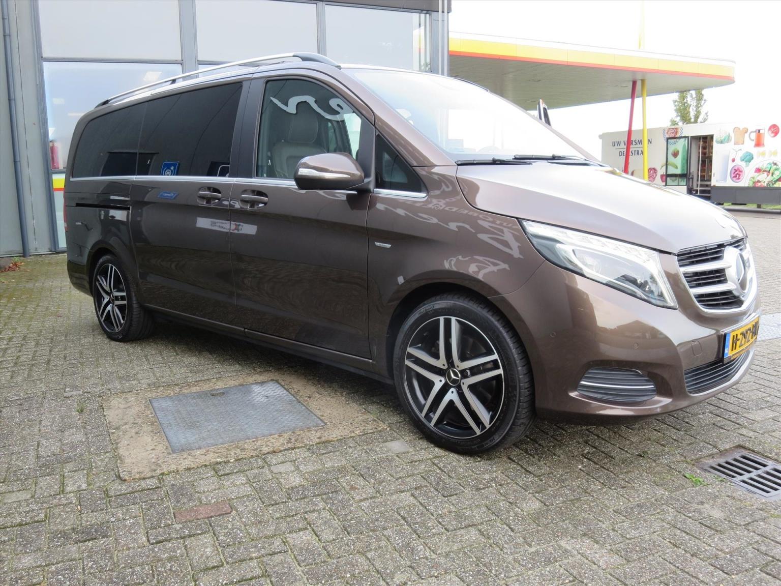 Mercedes-Benz-Camper-26
