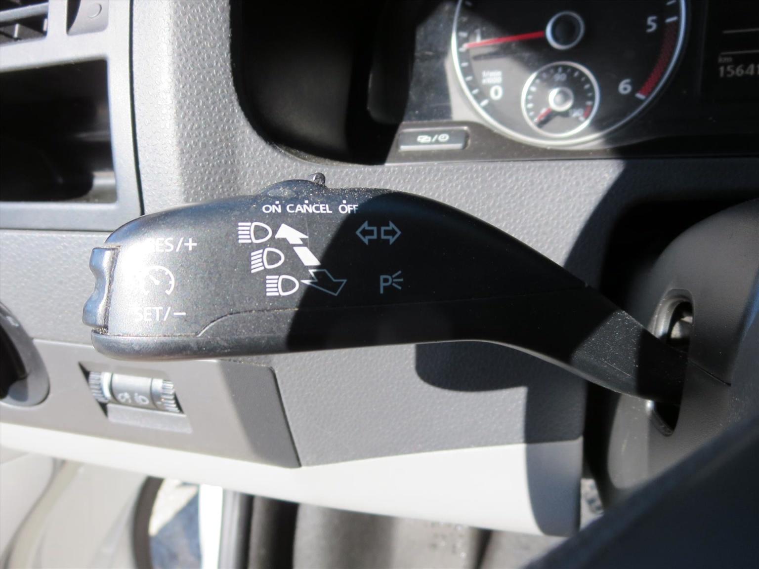 Volkswagen-Transporter-9